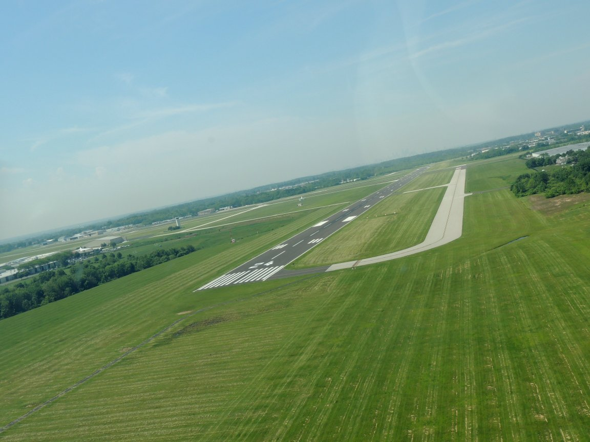 Landing on runway 24 at Northeast Philly
