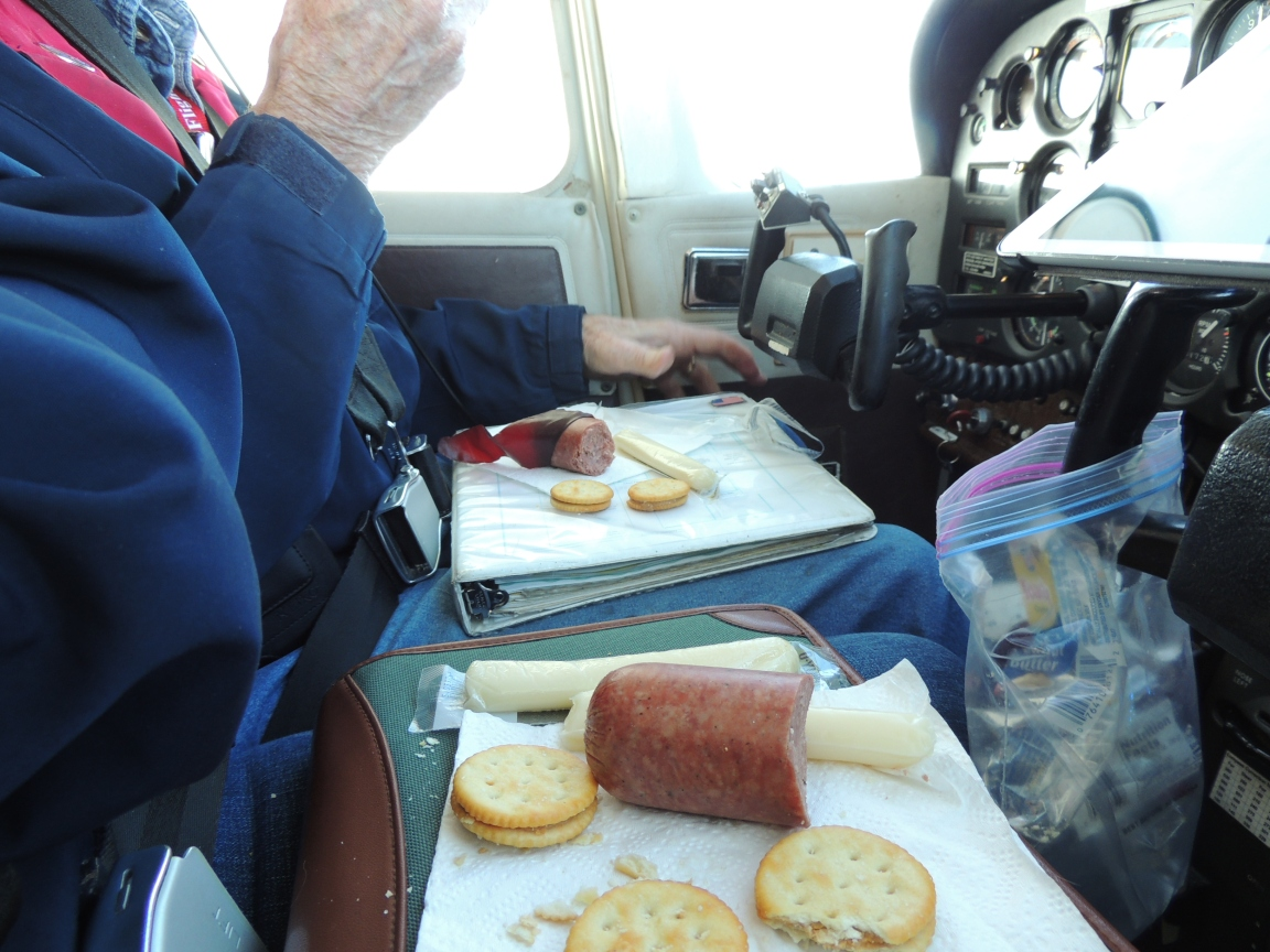 Critical phase of flight...... our I.A.P.  (In Air Picnic) !